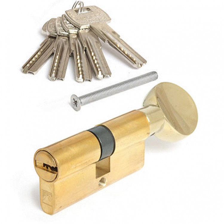 Как заменить ключи в замке на входной двери?