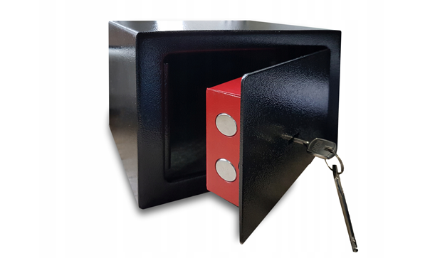 Как открыть старый сейф без ключа?